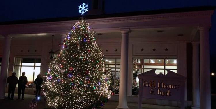 GKT Celebrates 16th Annual  Tree Lighting