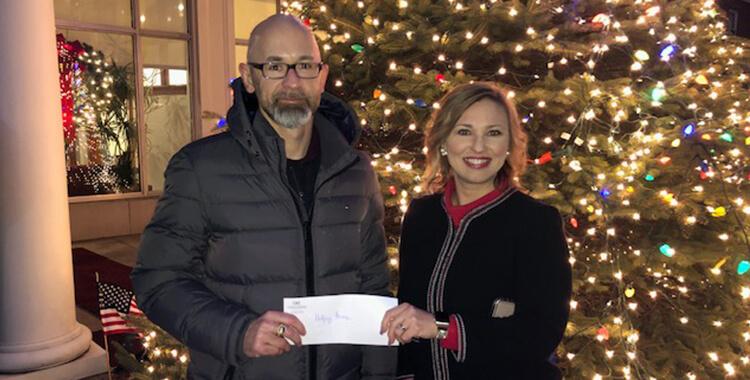 GKT Donates Award To Helping Heroes